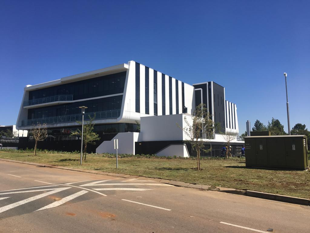 Oracle Head Office Woodmead Exterior Claading by Decolite